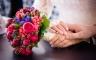 Brautstrauß in Rot und Blau