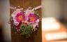 Blumenschmuck in der Kirche